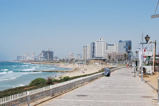 tayelet-along-the-beach